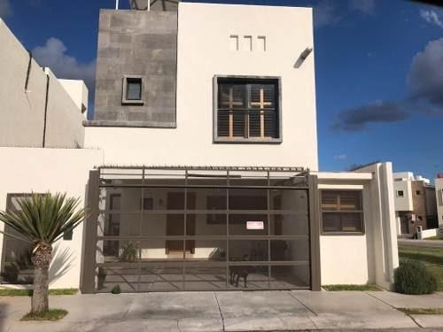 Hermosa Casa En Fraccionamiento Privado, Totalmente Equipada Cuenta Con Paneles Solares, Terraza En
