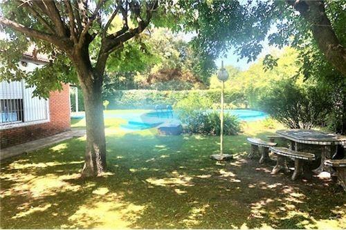 Venta De Quinta -casa 3 Amb- Parque Y Pileta