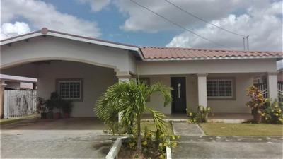 Casa Amoblada En Alquiler En Anton, Cocle Con Garita Y Pool