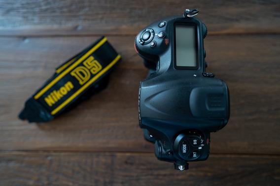 Camera Nikon D5 Com 195 Mil Cliques Impecável - Sem Juros!!!