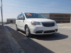 Chrysler Town & Country 2014 $195,000.00m.n.