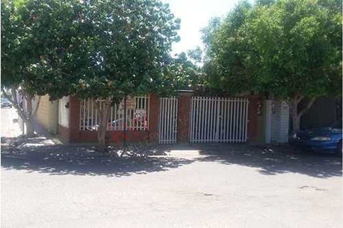 Centrica Casa En Villaverde Junto Al Blvd. Lázaro Cárdenas $870,000 Mxn Contado