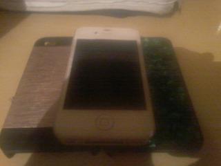 (iPhone 4s Duas Capinha Caregador Troco Ou Vendo)