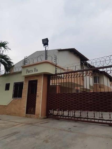 Townhouses En Venta En Porta Vía El Guayabal Atth-72