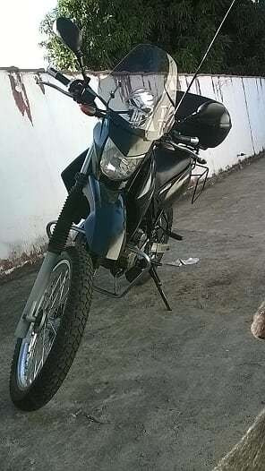 Moto Lander 250cc Preto Com Baú Yamaha Viagens/dia A Dia.