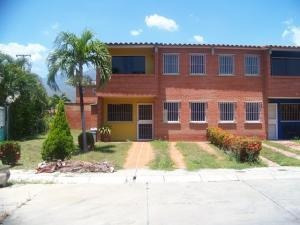 Cm Venta De Townhouse Mls#19-18204, T. Del Ingenio, Guatire