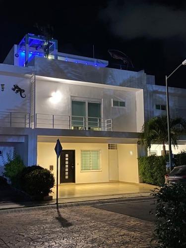 Hermosa Residencia En Punta Estrella