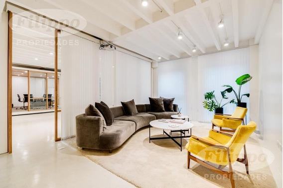 Venta: Oficina Súper Luminosa En Edificio Corporativo · 250 M2 · Excelente Estado!