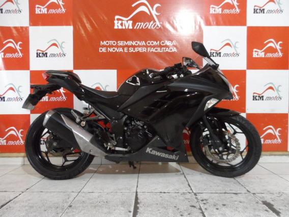 Ninja 300 Preta