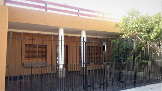 Casa · 3 Dormitorios · 2 Cocheras · Gran Quincho · Terraza