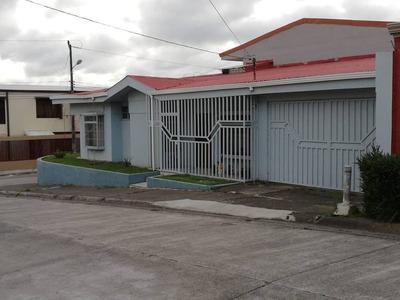 Se Vende Casa En Coronado, Esquinera Y 1 Nivel Urbanización