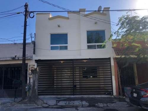 Casa En Venta En Escobedo Fuentes De Escobedo Remodelada