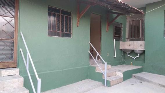 Casa 2qts Com Quintal No Bairro Gloria - 7719