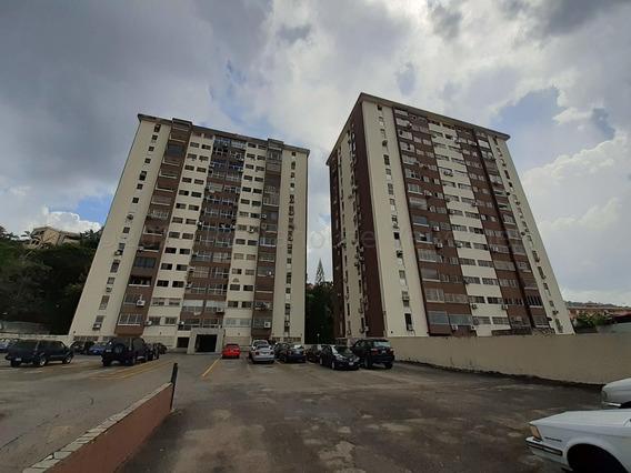 Apartamento En Venta En El Bosque Valencia 21-3411 Valgo