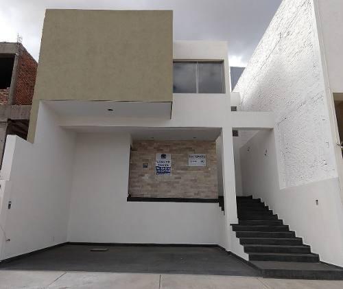 Casa En Venta En Villa Magna $2,650,000