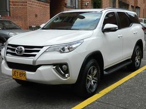 Toyota Fortuner Sw4 Street 4x2 At Excelente Estado