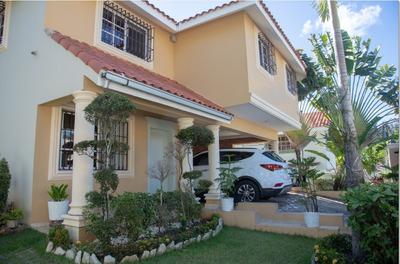 Casa Cuesta Hermosa Iii, 2 Niveles, 4hab, 3.5 Baños, Terraza