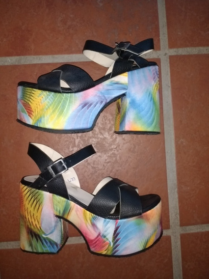 Sandalias Mary & Joe Negra Plataf Alta Tela Multicolor