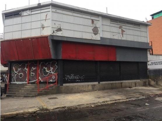 Local Comercial En Av Bolivar. Wc