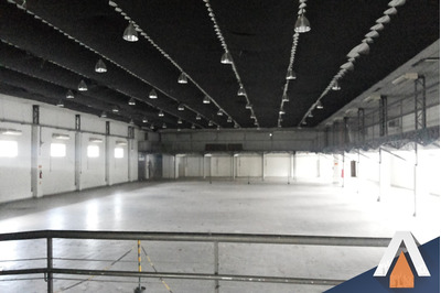 Acrc Imóveis - Prédio Comercial À Venda, Com Excelente Estrutura, 4.351,00 M² De Terreno E 2.900 M² De Área Construída - Pd00048 - 33771069
