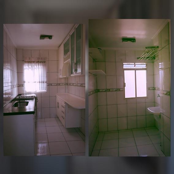 Vendo Apto 2 Quartos, Sala, Cozinha, Banheiro E 1 Vaga Garag