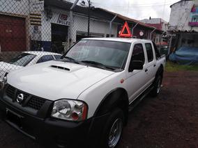 Nissan Np300 2.5 Diesel Doble Cabina 4x4 Mt
