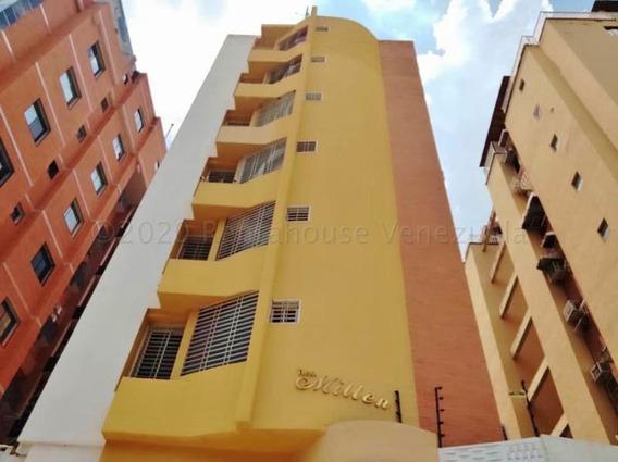 Apartamento En Urb. El Bosque Mm 20-24394