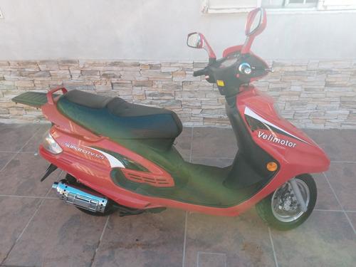 Vendo Scooter  Velimotor Supercity 125 (escucho Ofertas)