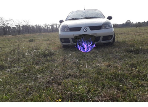 Imagen 1 de 6 de Renault Clio 1.6 Confort 2006