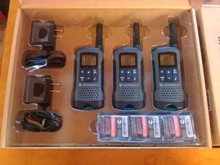Handy Radio Motorola Talkabout T200 Pack. X3 Vias Hasta 32km
