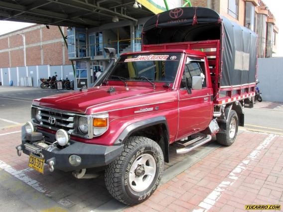 Toyota Land Cruiser 4500cc 4x4