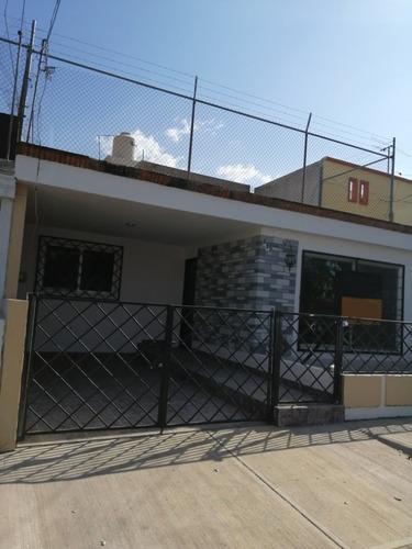Casa En Renta Dentro De Jardines Alcalde, Guadalajara