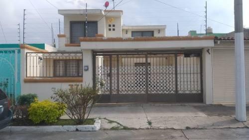 Se Vende Casa En Col. Jardines Del Sol, Zapopan, Jal.