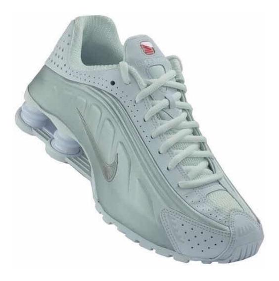 Tênis Nike Shock R4