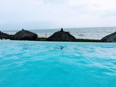Beachfront Peninsula Nuevo