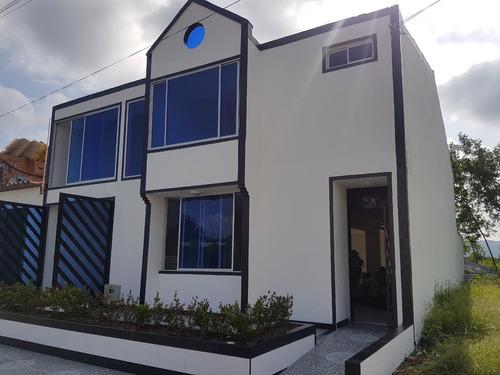 Casa Vacacional Ricaurte Cund. De 10x24, 2 Pisos