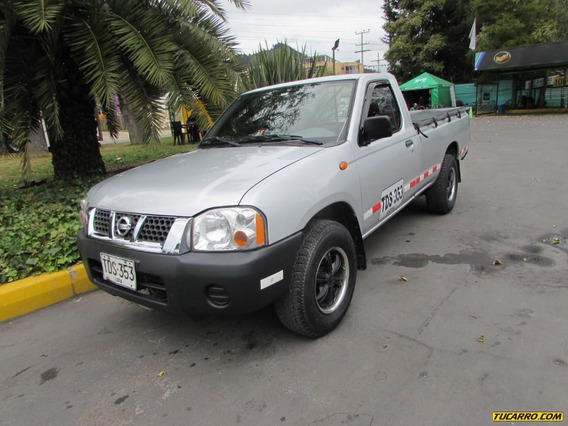 Nissan D-22 Pick Up 2400 Mt