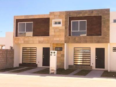 Casa De 2 Plantas, 3 Recamaras En Spello Modelo Marisol