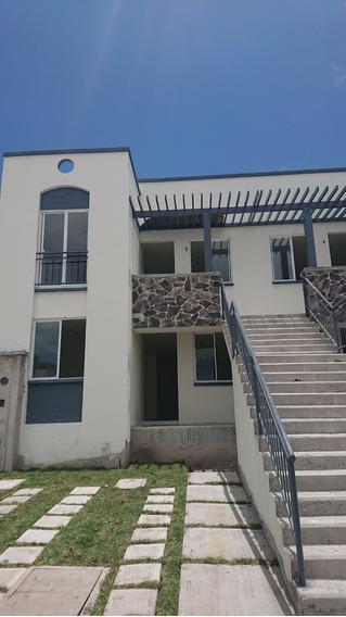 Casa Duplex En Planta Baja - Zona Centro
