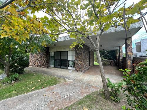 Casa De 2 Dormitorios Con Piscina En Parque Del Plata Sur