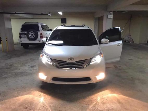 Toyota Sienna Xle Premium 17