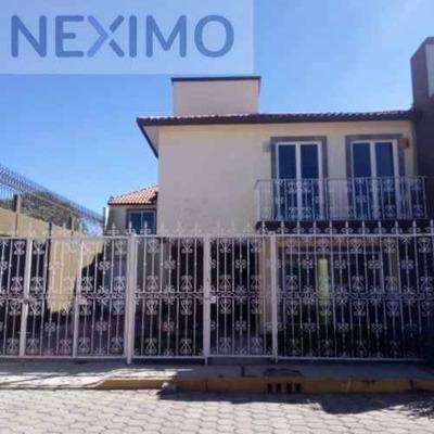 Casa Residencial A La Venta En Fraccionamiento Los Sauces, Apizaco, Tlaxcala