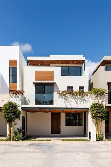 Casa En Conjunto Exclusivo En Playa Del Carmen
