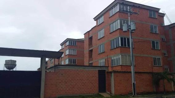 Apartamento En Venta Ciudad Alianza Cod.20-7932 Cv