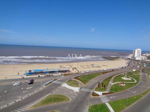 Apartamento En Punta Del Este, Imperiale Luxury Towers- Ref: 261