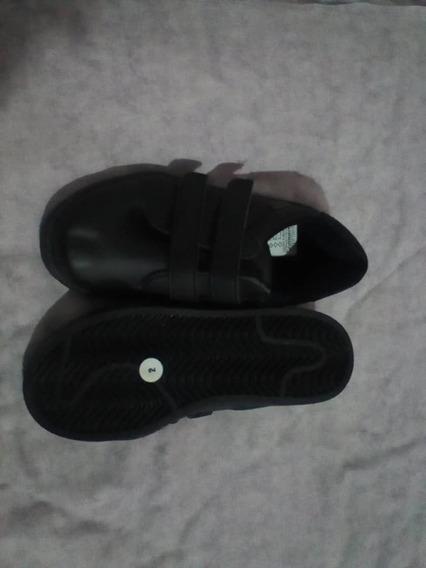 Zapatos Escolares Negros Unisex Marca Gianlop Talla 32