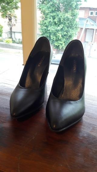 Zapatos Negros Lucerna Con Taco