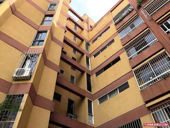 Apartamentos En Venta Mls #19-17761 Yb