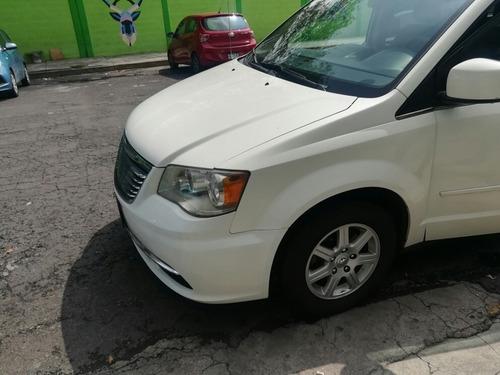 Imagen 1 de 15 de Chrysler Town & Country 2012 3.6 Lx Mt