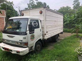 Se Vende Camion Hino Fb 98 Con Puesto